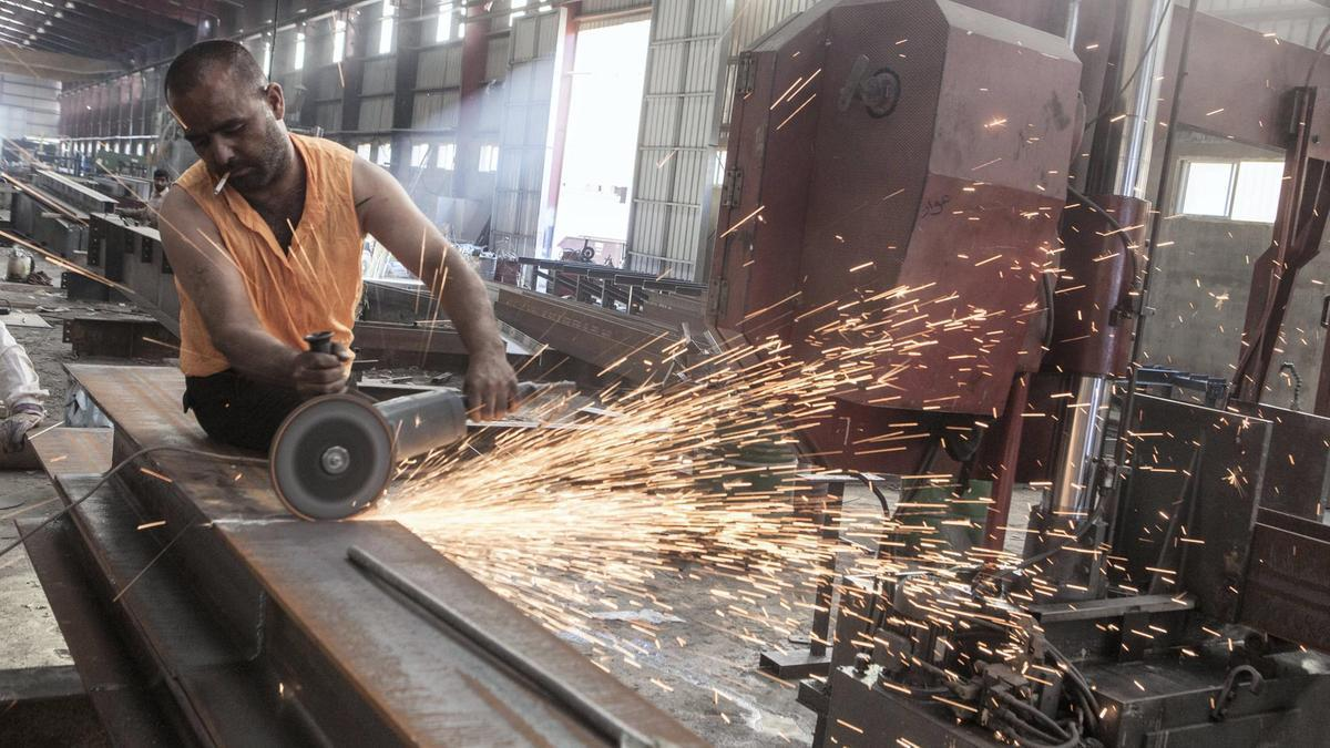ifmat - Traders in Lebanon are angry over imports of cheap Iranian steel