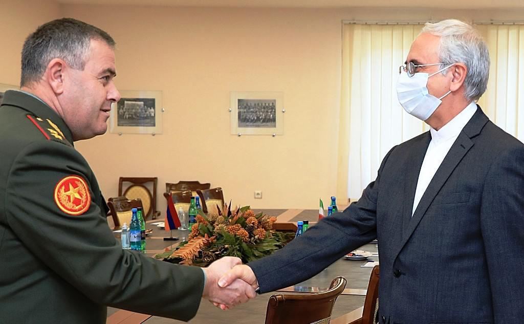 ifmat - Armenia and Iran discuss defense cooperation